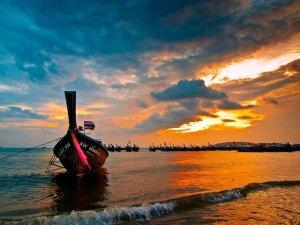 Sunset at Ao Nang Beach.  Photo by: Mikhail Koninin, CC BY-NC 2.0